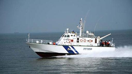 Indian Coast Guard arrest 5 Sri Lankan fishermen and boat