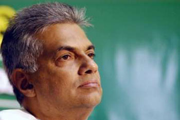 Ranil welcomes proposal to lift emergency