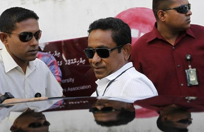 Maldives president unhurt in blast on his speed boat