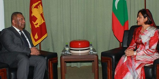 Foreign Minister holds a meeting with Dunya Maumoon