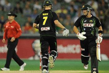 Australia bat first against Sri Lanka at MCG