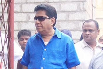 VIDEO: The Kelaniya PS takes a stand against Mervyn