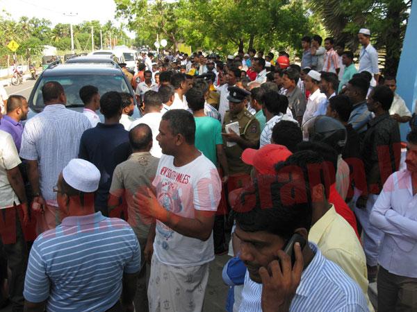 Tense situation in Akkaraipattu as Muslim parties clash again
