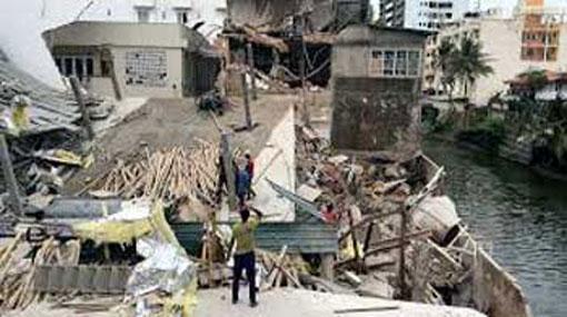 Building collapse in Wellawatta: search operations in progress