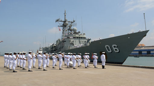 Royal Australian Navy ship 'HMAS Newcastle' arrives at port of Colombo