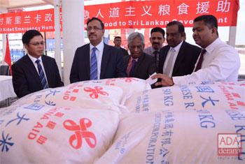 China hands over rice…