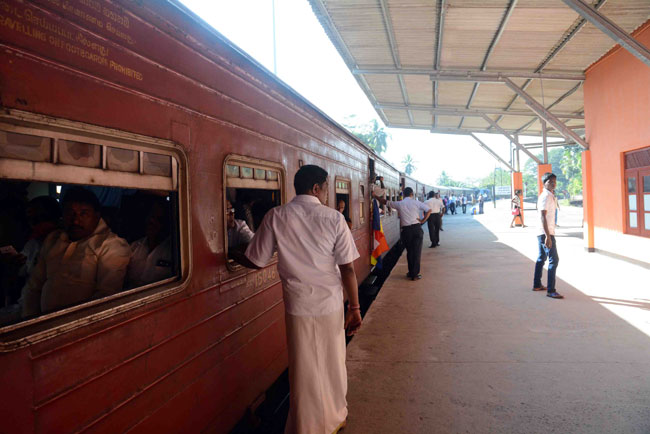 Railway strike to continue as talks breakdown