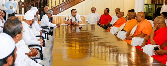 President visits Kandy to discuss current situation