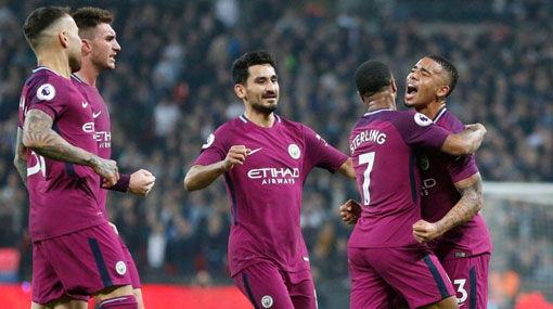 Manchester City captures Premier League title