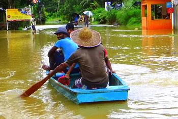 Monsoon floods Neluwa...