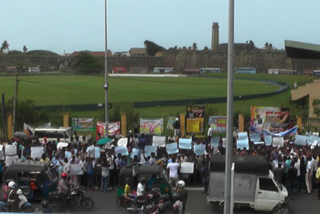 Protest against removing Galle Stadium...