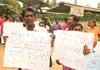 Villagers in Bingiriya protest against lack of drug control in area