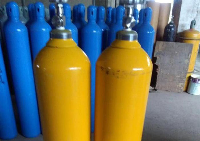 Five hospitalised after ammonia cylinder explodes in Horana
