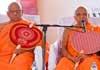 Malwathu-Asgiri Chief Prelates present letter to President