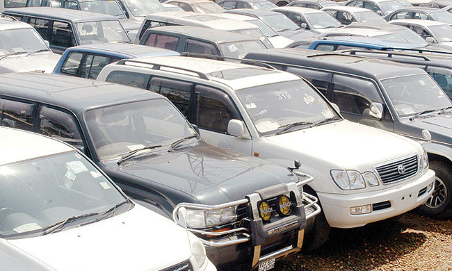 Issuing vehicle permits to MPs and state sector employees suspended