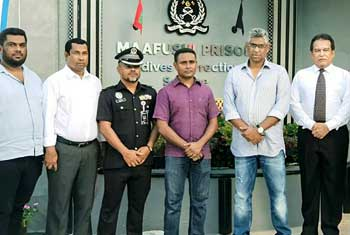 Minister Musthapha visits Sri Lankan prisoner in Maldives…