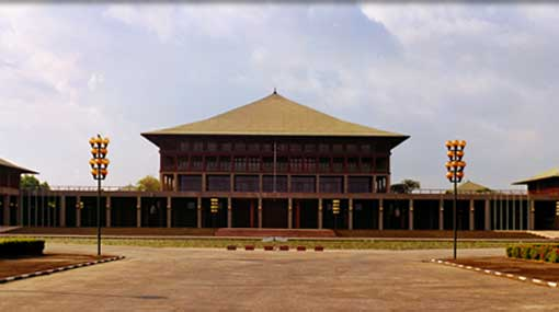 Parliamentary session commences without govt. party