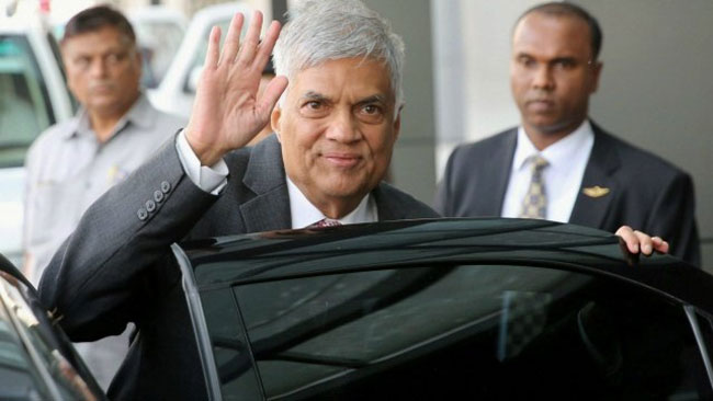 Ranil arrives at Presidential Secretariat to swear in as PM