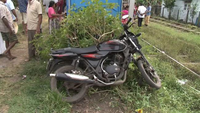 2 killed as train hits motorcycle in Ja-Ela