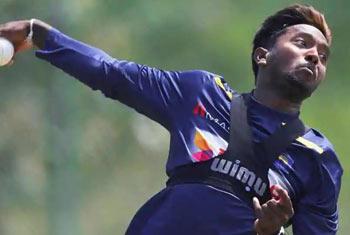 ICC clear Dananjaya to resume bowling
