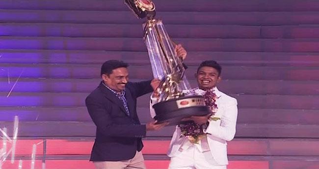Thanura Madugeeth wins Derana Dream Star – Season 8