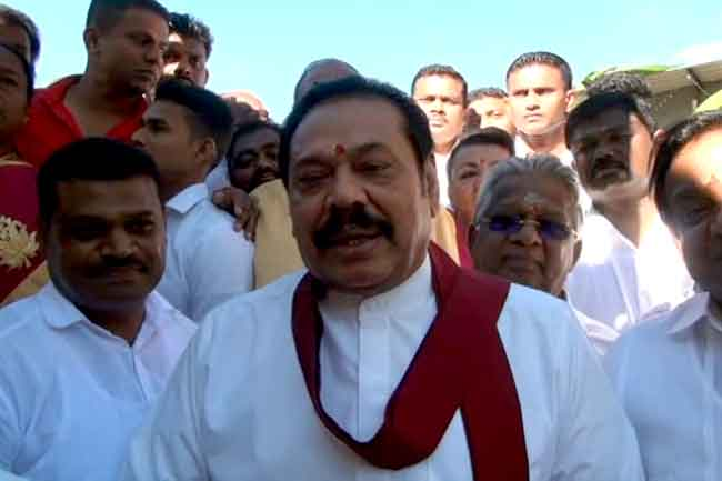 Govt can't even declare open the hospitals built by me - Mahinda