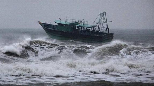 Naval and fishing communities warned of rough seas