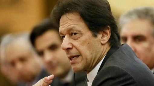 Imran Khan phones PM offering assistance in counter-terrorism