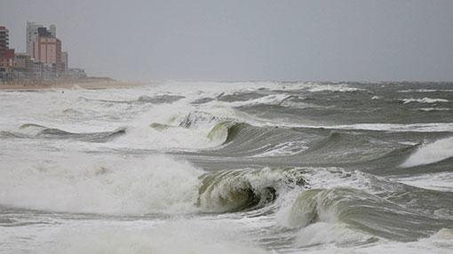 Sea areas from Beruwala to Matara may experience surges: Met. Dept.