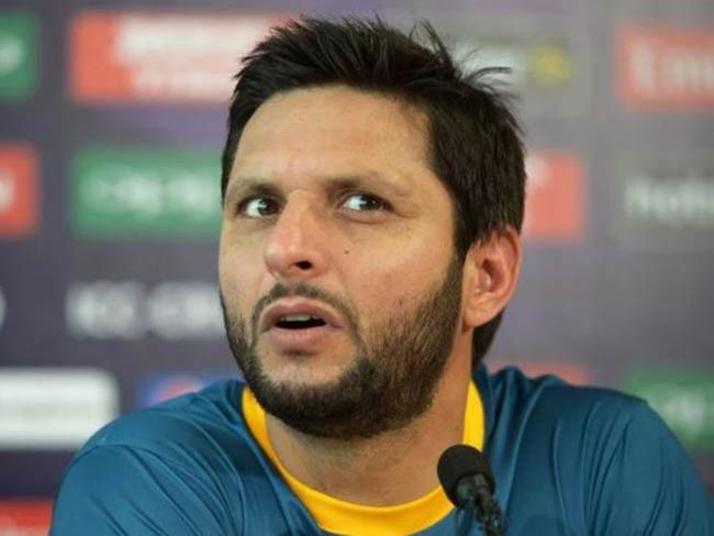 Afridi finally reveals his real age in autobiography