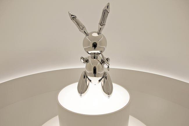 Jeff Koons' $91M 'Rabbit' sculpture sets new auction record