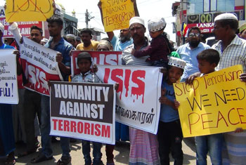 Muslims in Puttalam protest against IS...