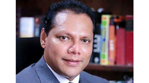 Dayasiri leaves Colombo DIG's office after recording statement