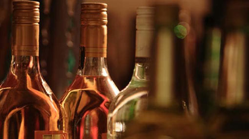 Tourist hotel in Kurunegala sealed for selling liquor on Vesak