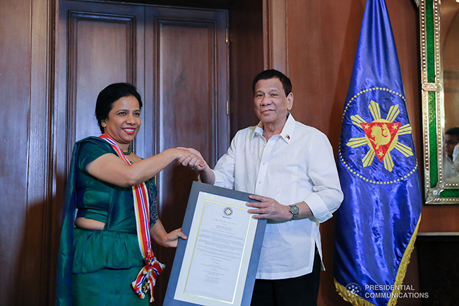 Duterte confers 'Order of Sikatuna' on outgoing Sri Lankan envoy