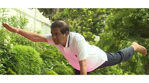 d88191991c President praises Modi for bringing yoga to international stage