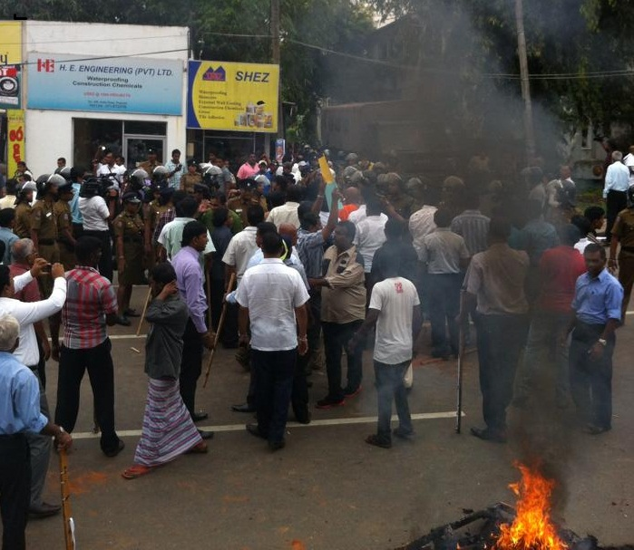 Tense situation in front of Sirikotha