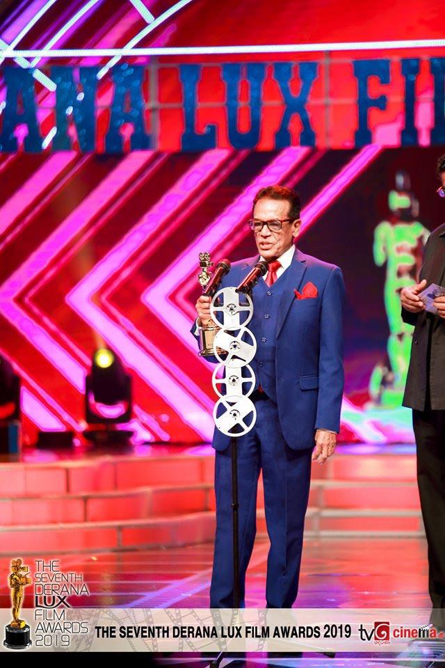 'According to Matthew' wins best film at Derana Lux Film Awards 2019