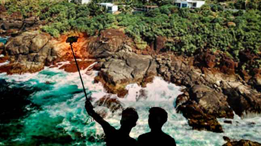 Four youths fall off Rumassala ; 2 rescued, 2 missing