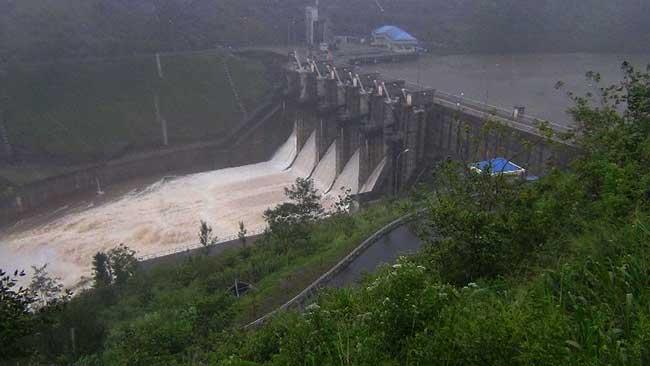 Five spill gates of Upper Kotmale Reservoir opened