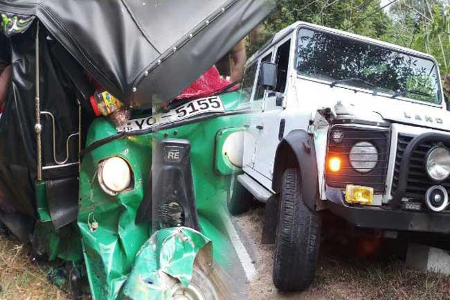 Two injured as tuk collides with VIP motorcade