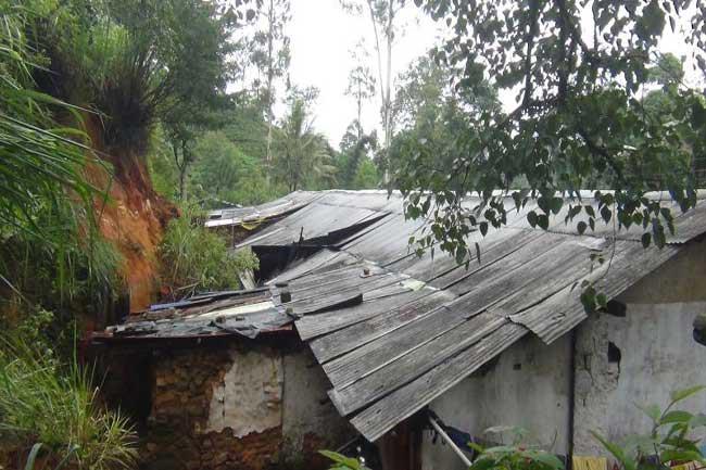 Norwood residents evacuated over landslide risks