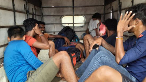 Navy intercepts lorry with illegal immigrants