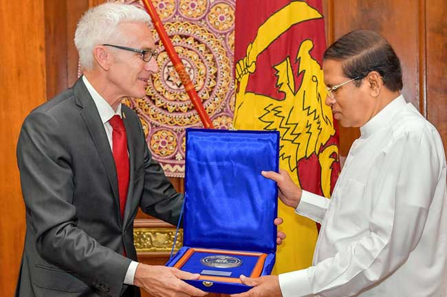Interpol chief commends President and Sri Lanka Police
