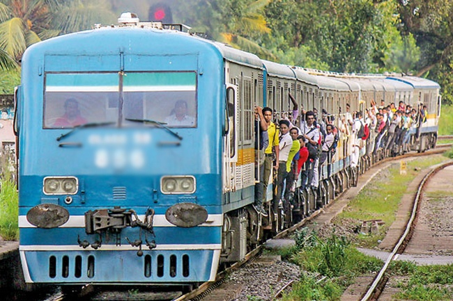 Derailment causes delays on Kelani Valley line