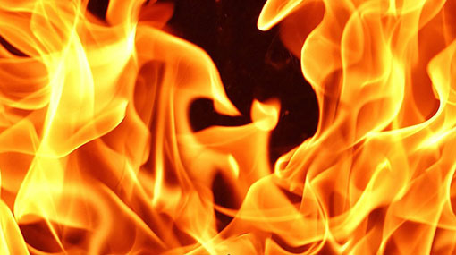 Fire breaks out at textile shop building in Wattala