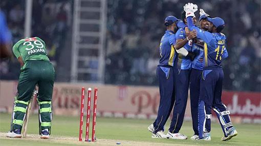 Sri Lanka defeat top-ranked Pakistan by 13 runs runs in 3rd T20
