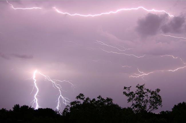 Warnings issued for severe lightning and heavy rain