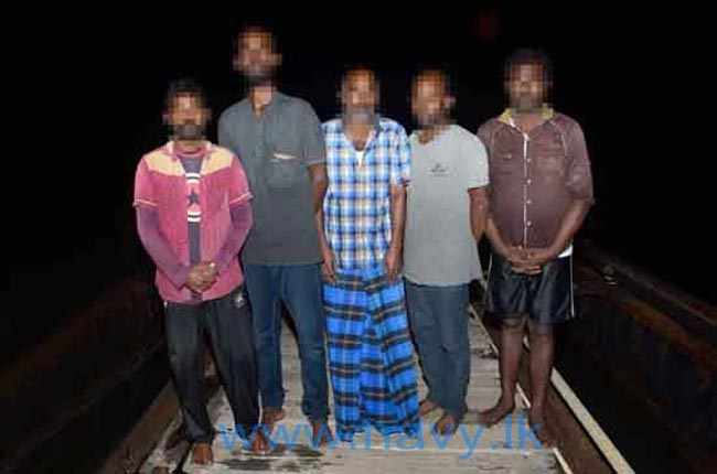 Navy arrests illegal immigrants and human traffickers