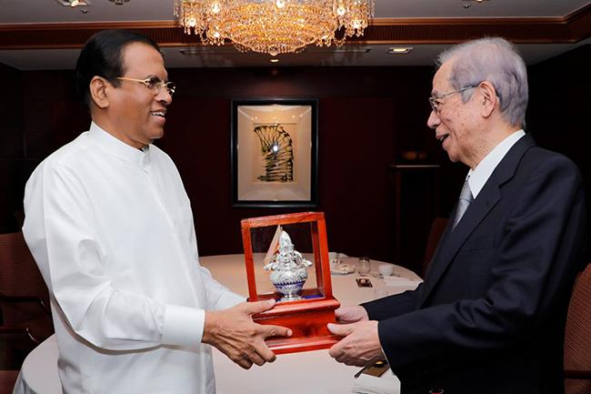 Ex-Japanese Premier calls on President